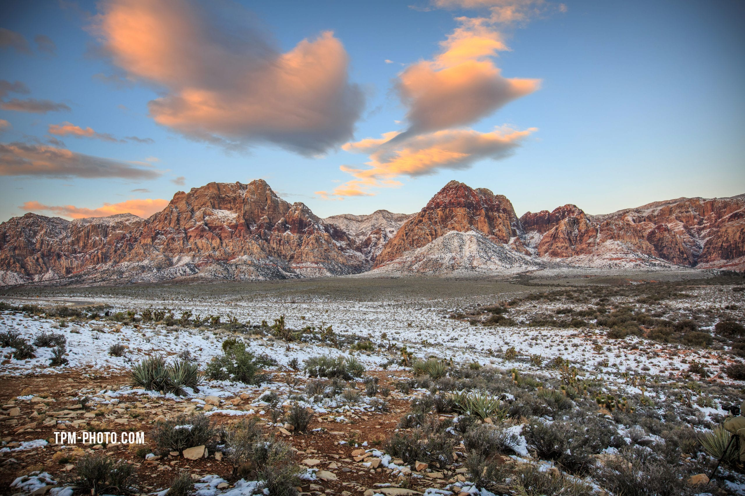 las vegas photographers, red rock canyon with snow